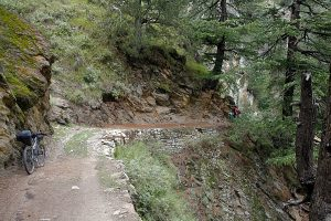 Cycling on the Old Hindustan Tibet Road