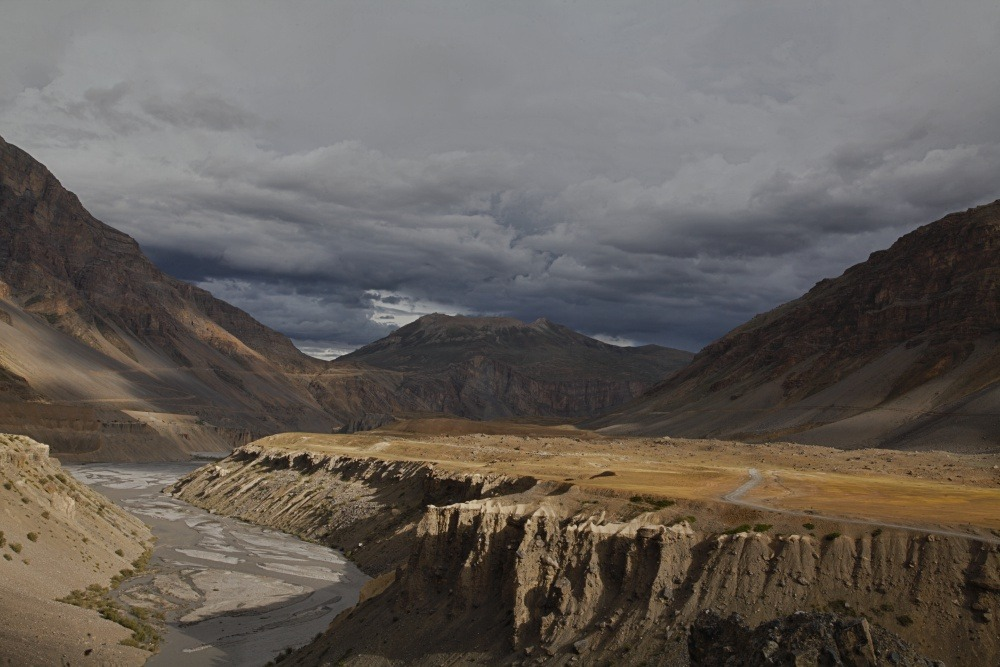 Cycling from Kaza to Losar