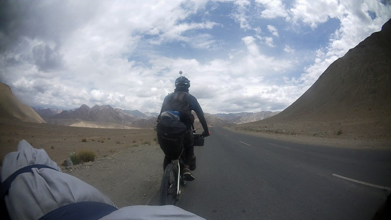 Cycling from Nimmu to Leh