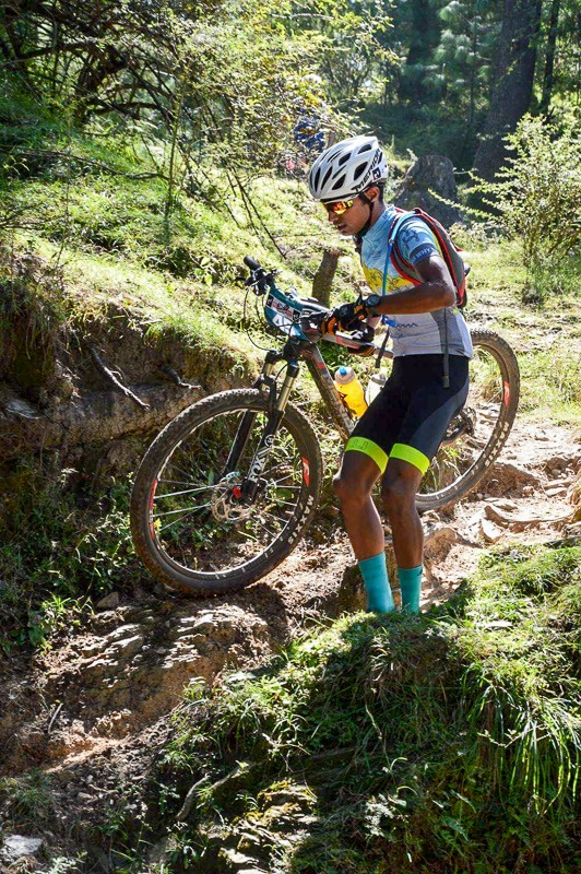 Racing in MTB Himalaya