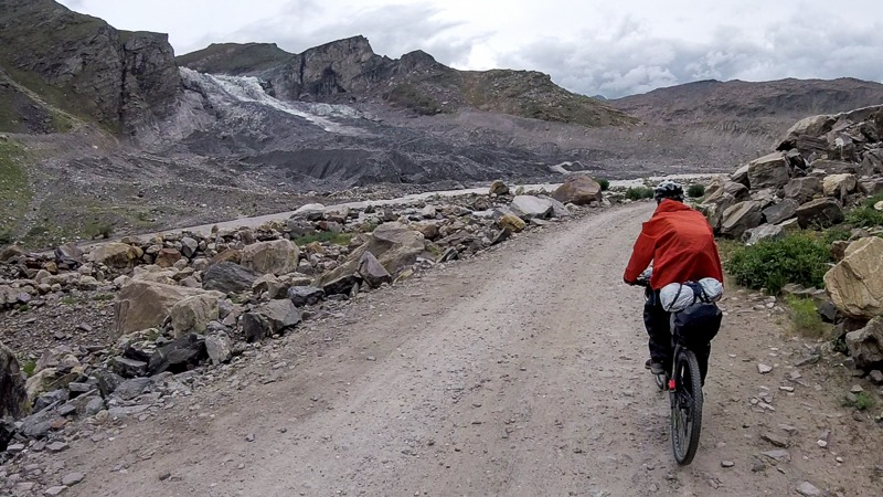 Cycling from Rangdum to Parkachik in Zanskar Valley