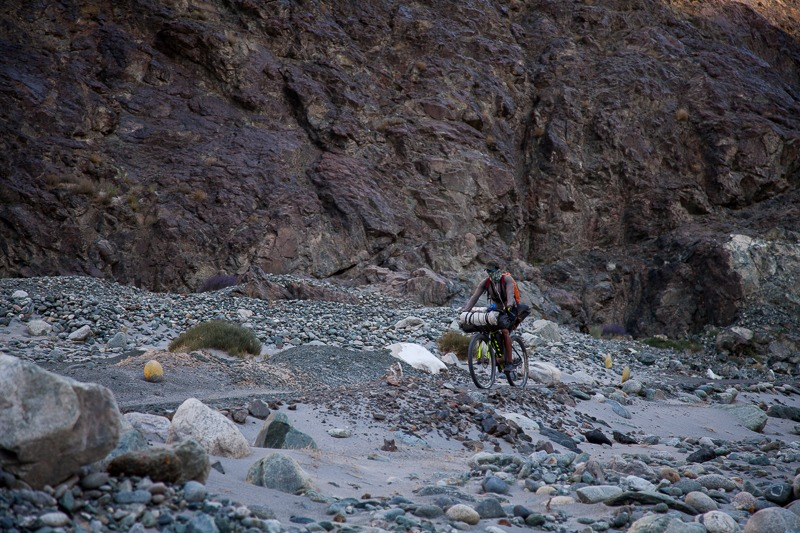 Cycling along Shyok River