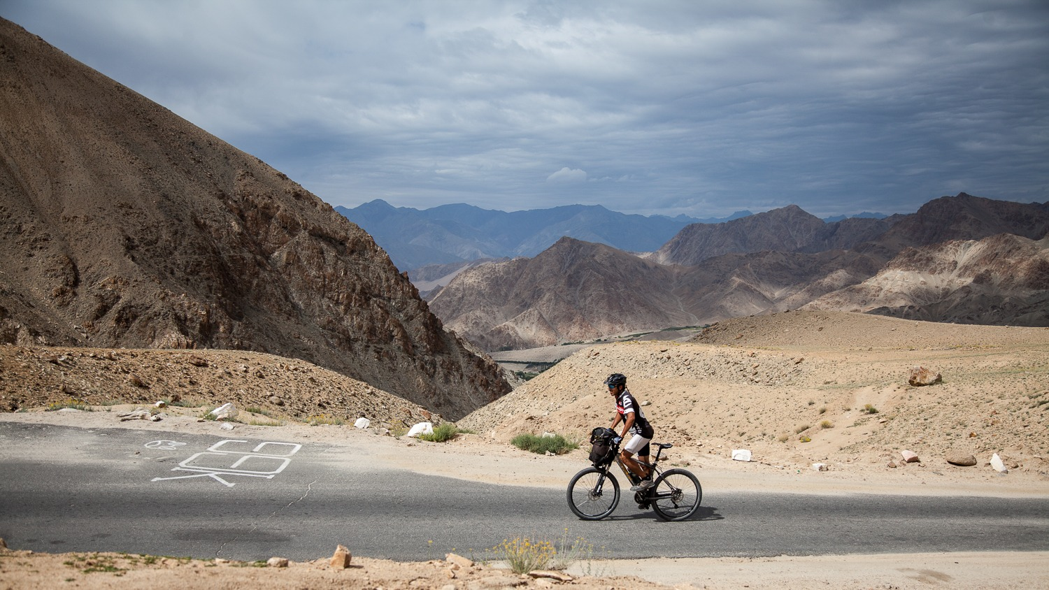 90 Days Cycling in the Himlayas: Day 48: Leh to Khardung