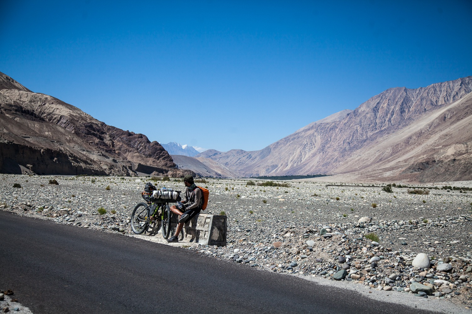 90 Days Cycling in the Himalayas: Day 52: Turtuk to Agam