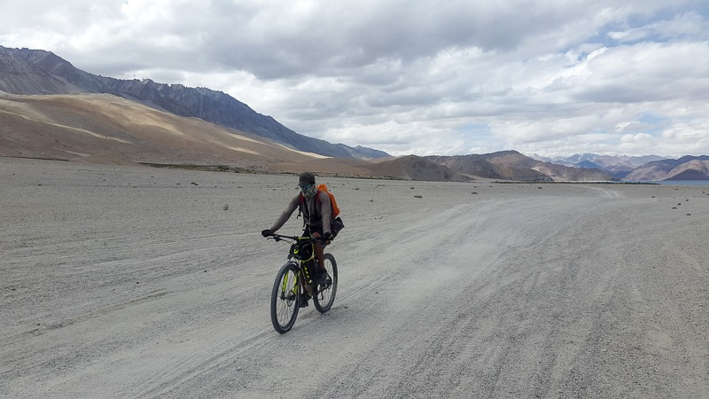 Cycling from Pangong Tso to Chushul