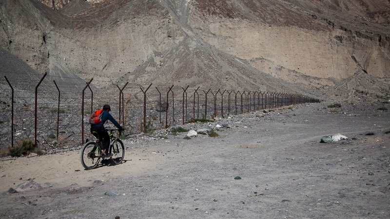 Cycling along India-Pak border