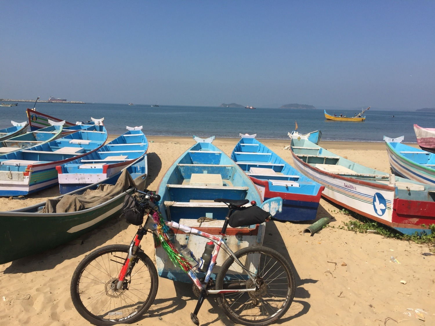 West Coast Fiesta: Cycling from Mumbai to Kanyakumari: 1775 km