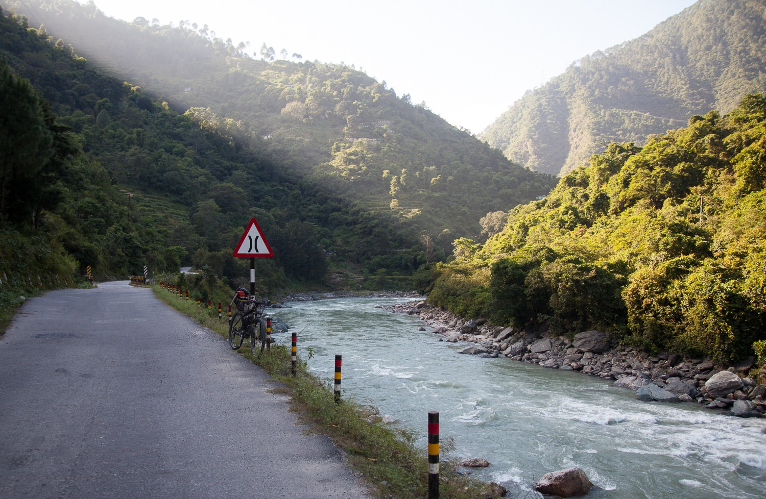90 Days Cycling in the Himalayas: Day 85-86: Banyani to Adibadri