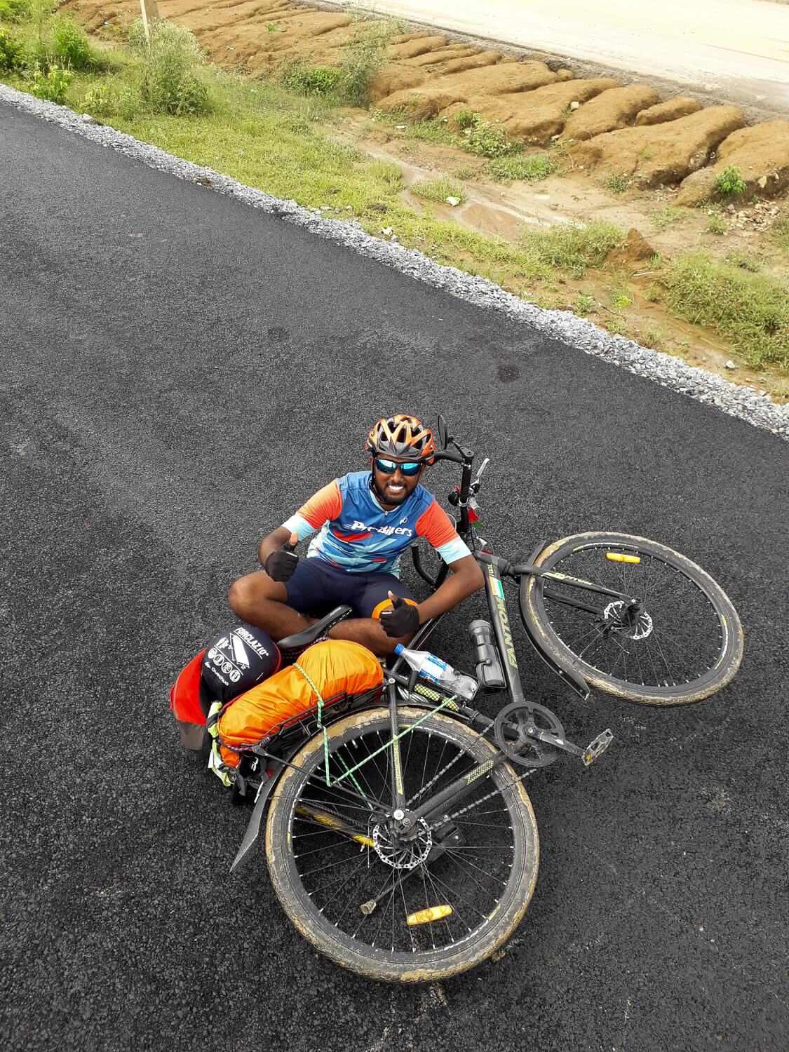 Vignesh Cycling from Jammu to Kanyakumari