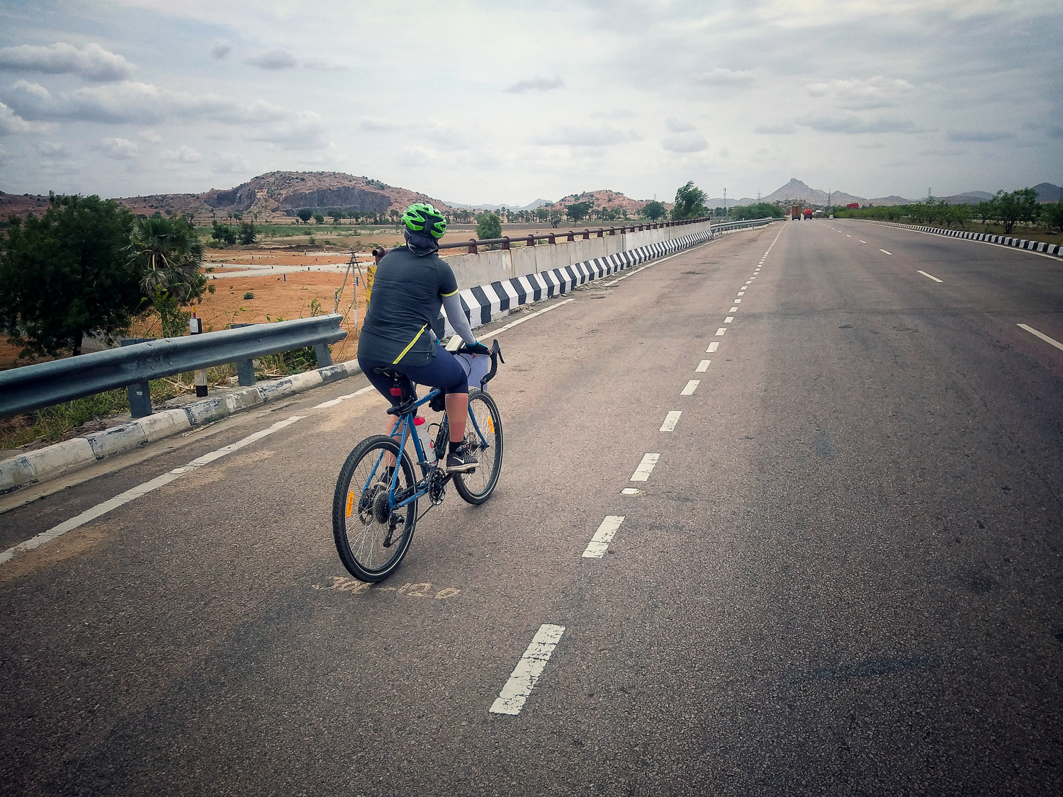 Cycling on Tamil Nadu highways