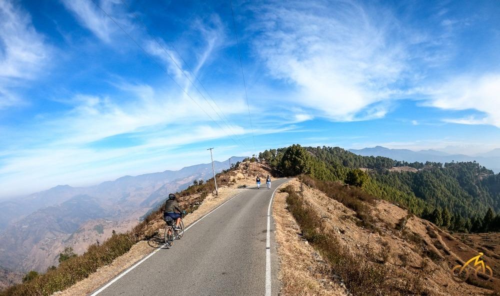 Nainidanda. Cycling near Corbett