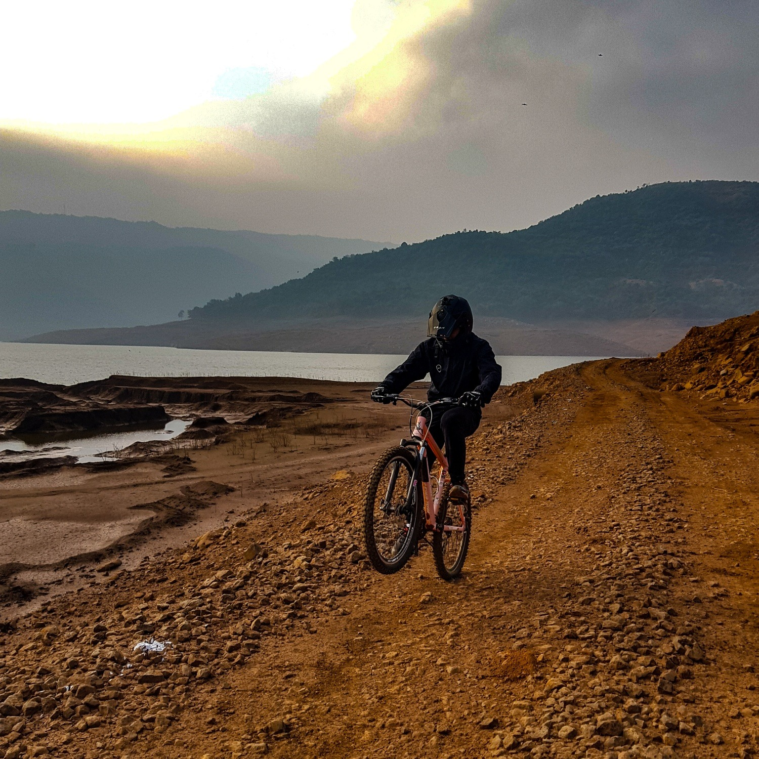Mountain biking in Pune Temghar