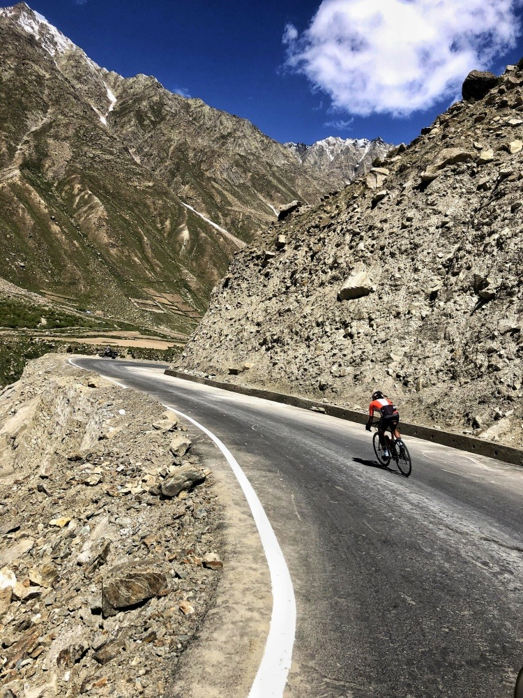 road cycling in manali