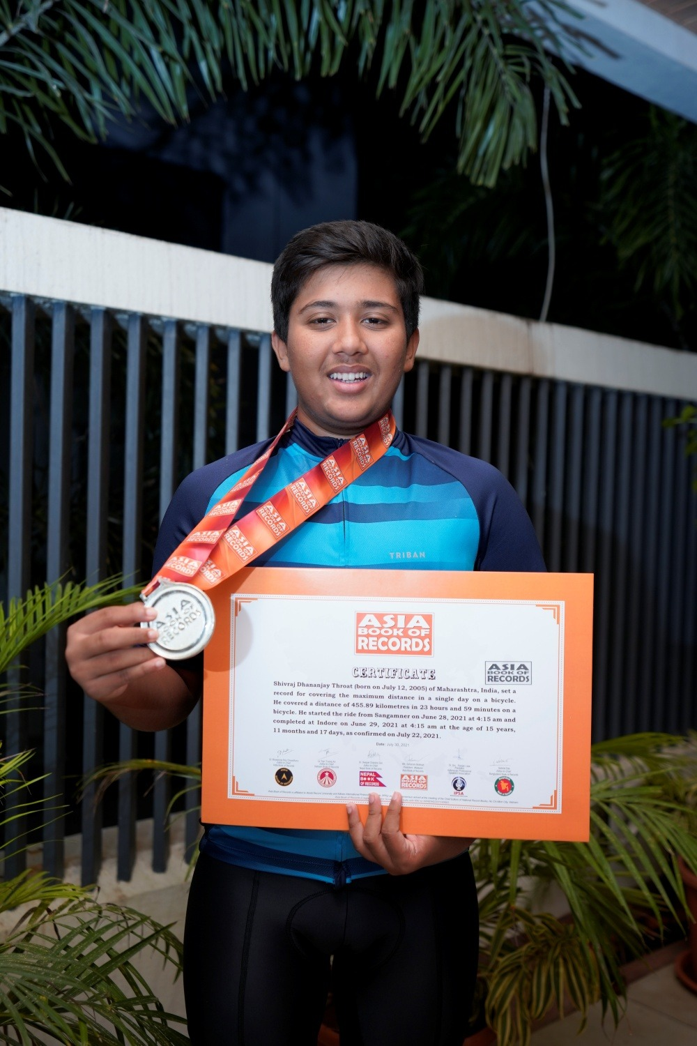 Shivraj Thorat with his Asia Book of Records certificate